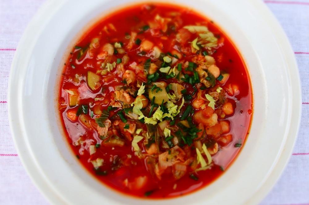 Hustá rajčatová polévka s cizrnou