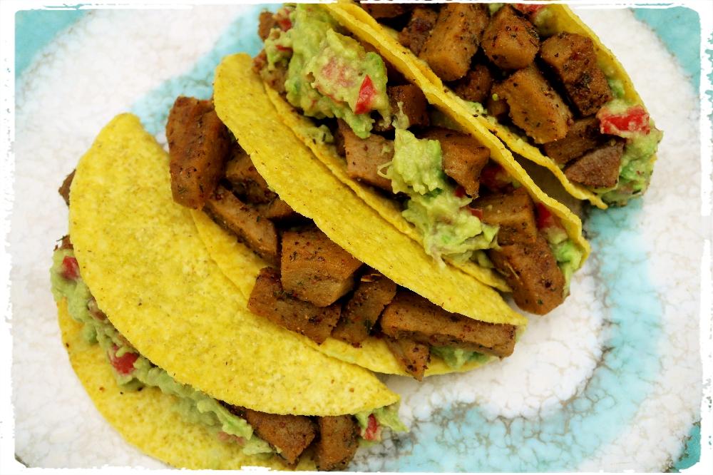 Tacos s quacamole a robi masem