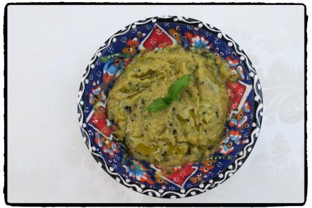 Humus z grilované cukety s mátou